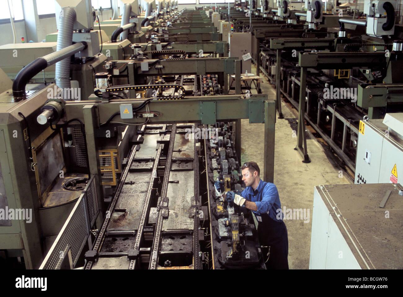 L'industrie de la machine-outil, en Italie STREPARAVA factory Photo Stock