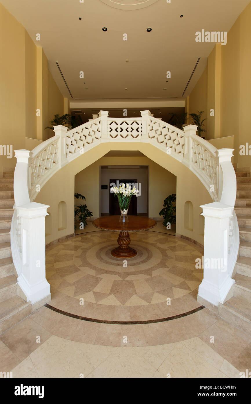 Couloir, vase à fleurs, Steigenberger Al Dau Beach Resort, Hurghada, Egypte, Mer Rouge, Afrique Banque D'Images