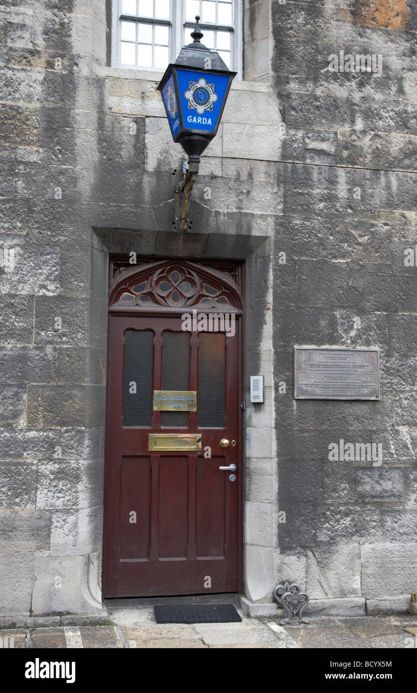 Entrée de la force de police irlandaise Garda Siochana musée dans le château de Dublin République Photo Stock