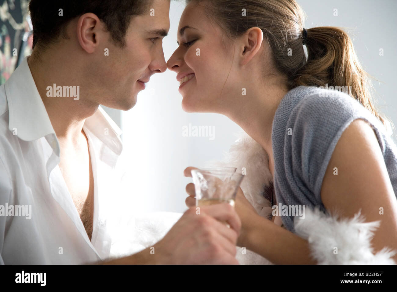 Couple drinking champagne Photo Stock