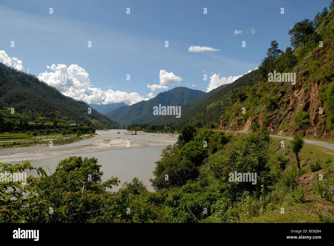 Vallée de la Mo Chho juste au-dessus de la rivière, le Bhoutan Punakha Photo Stock