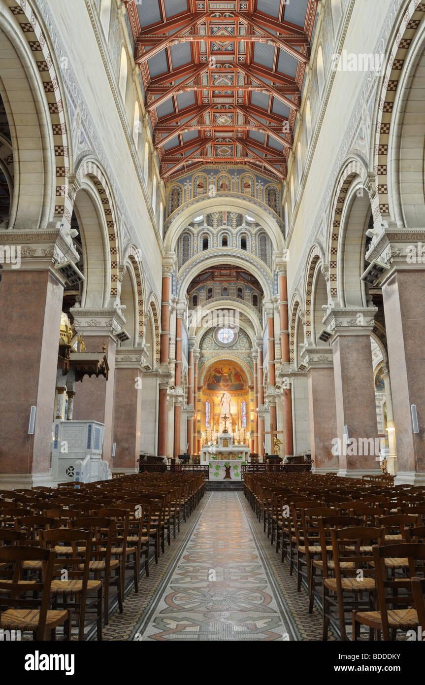 Decoratrice D Interieur Amiens À l'intérieur de la cathédrale d'amiens banque d'images