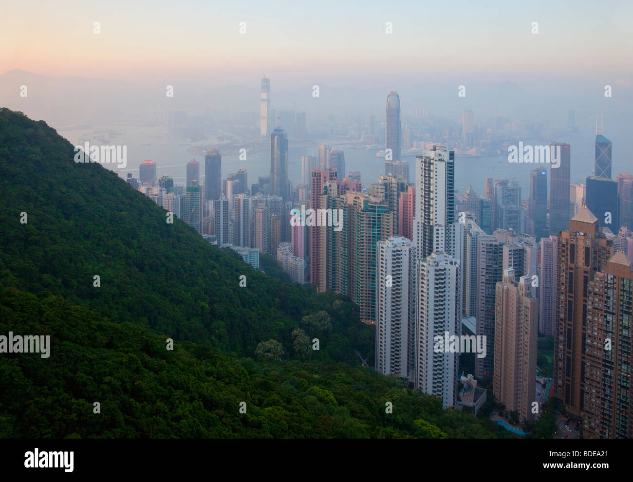 Vue depuis le pic, Shan Teng, Hong Kong, Chine. Photo Stock