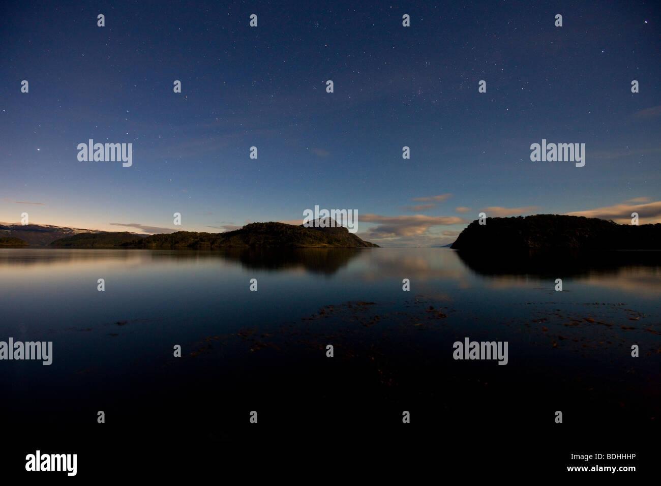 Moonlight, Murray Canal, la Terre de Feu, au Chili. Photo Stock