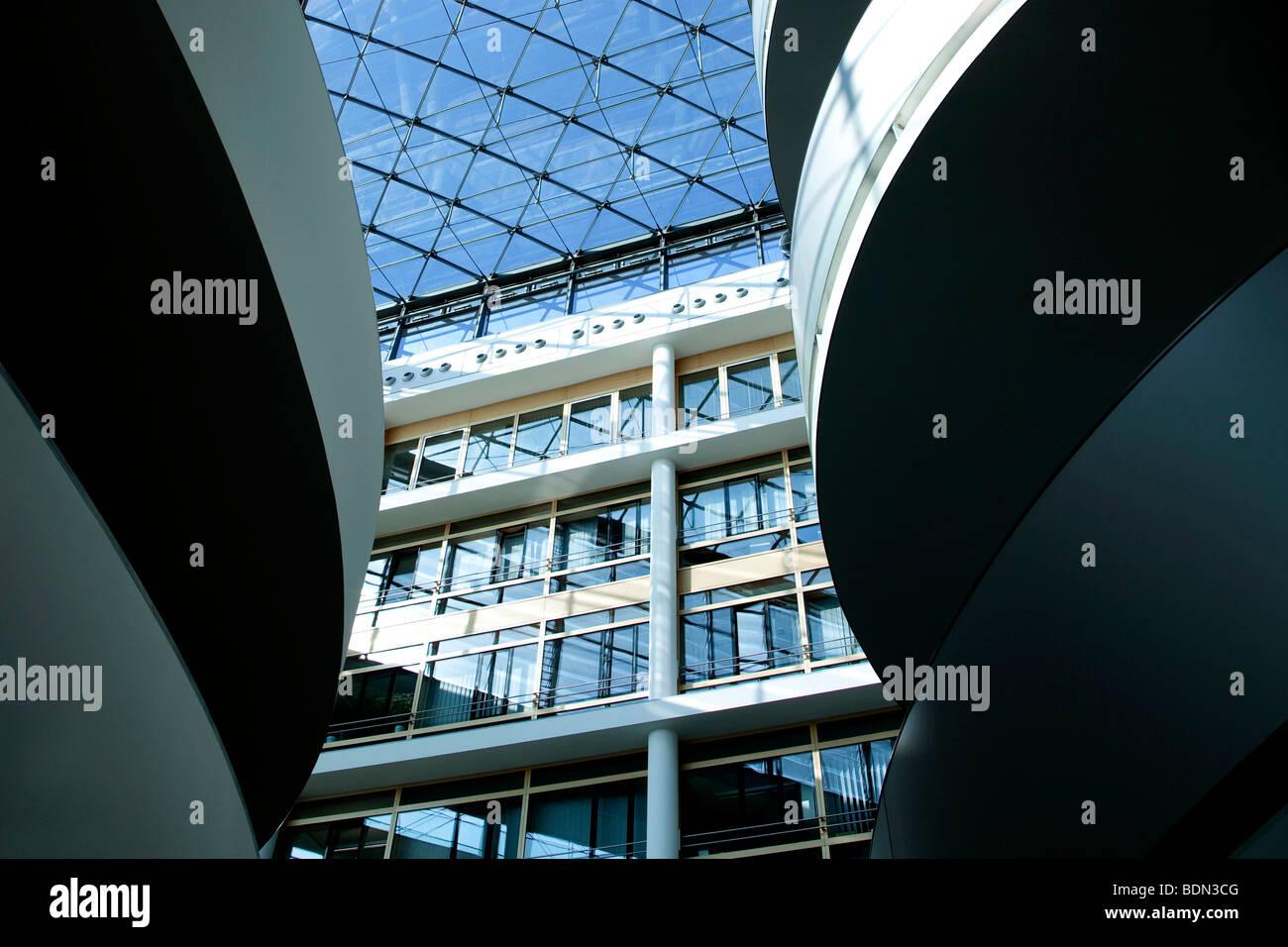 L'intérieur, hall, l'atrium, siège de l'entreprise pharmaceutique Boehringer Ingelheim GmbH, Photo Stock