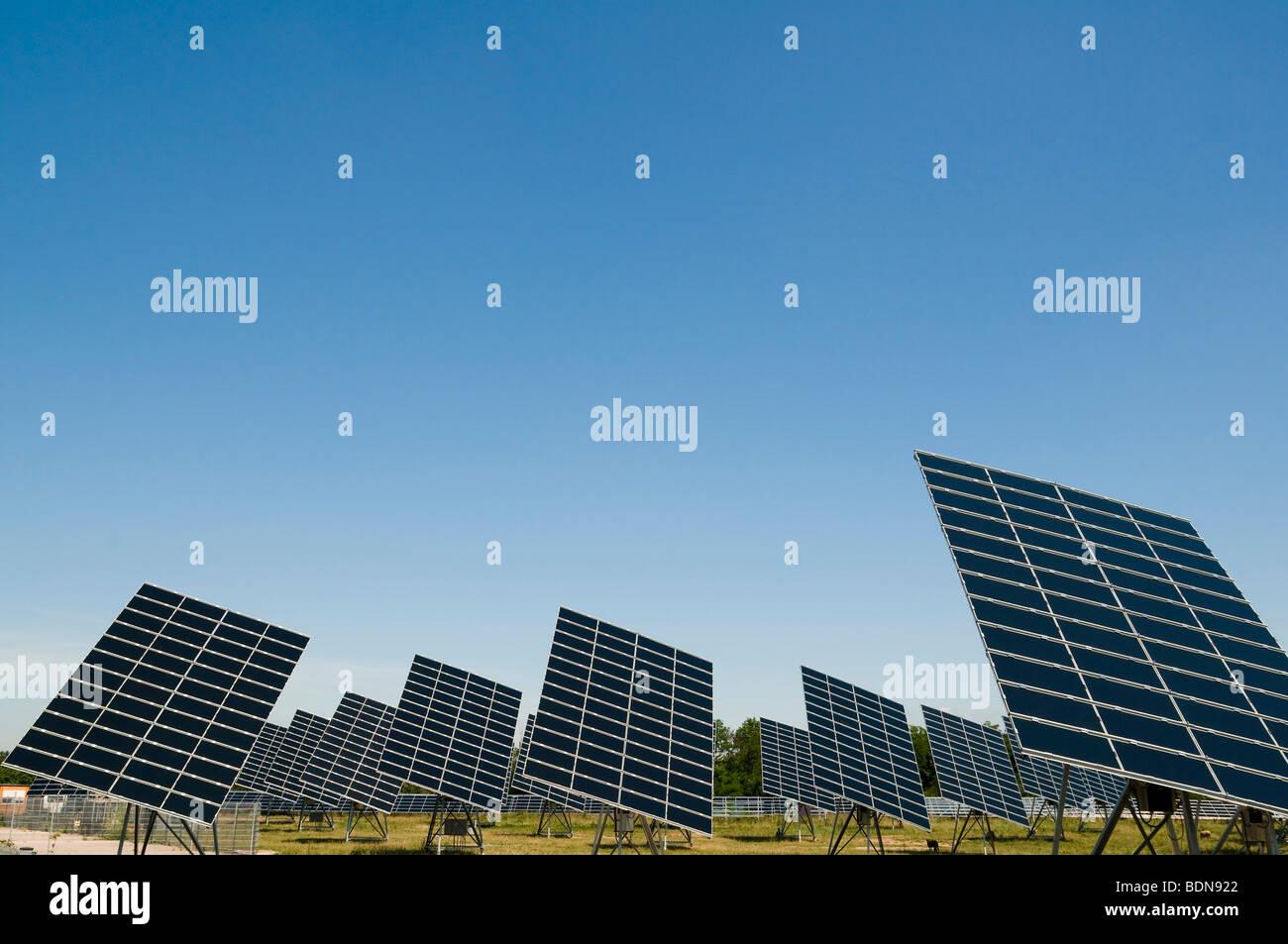 L'usine d'énergie solaire Photo Stock