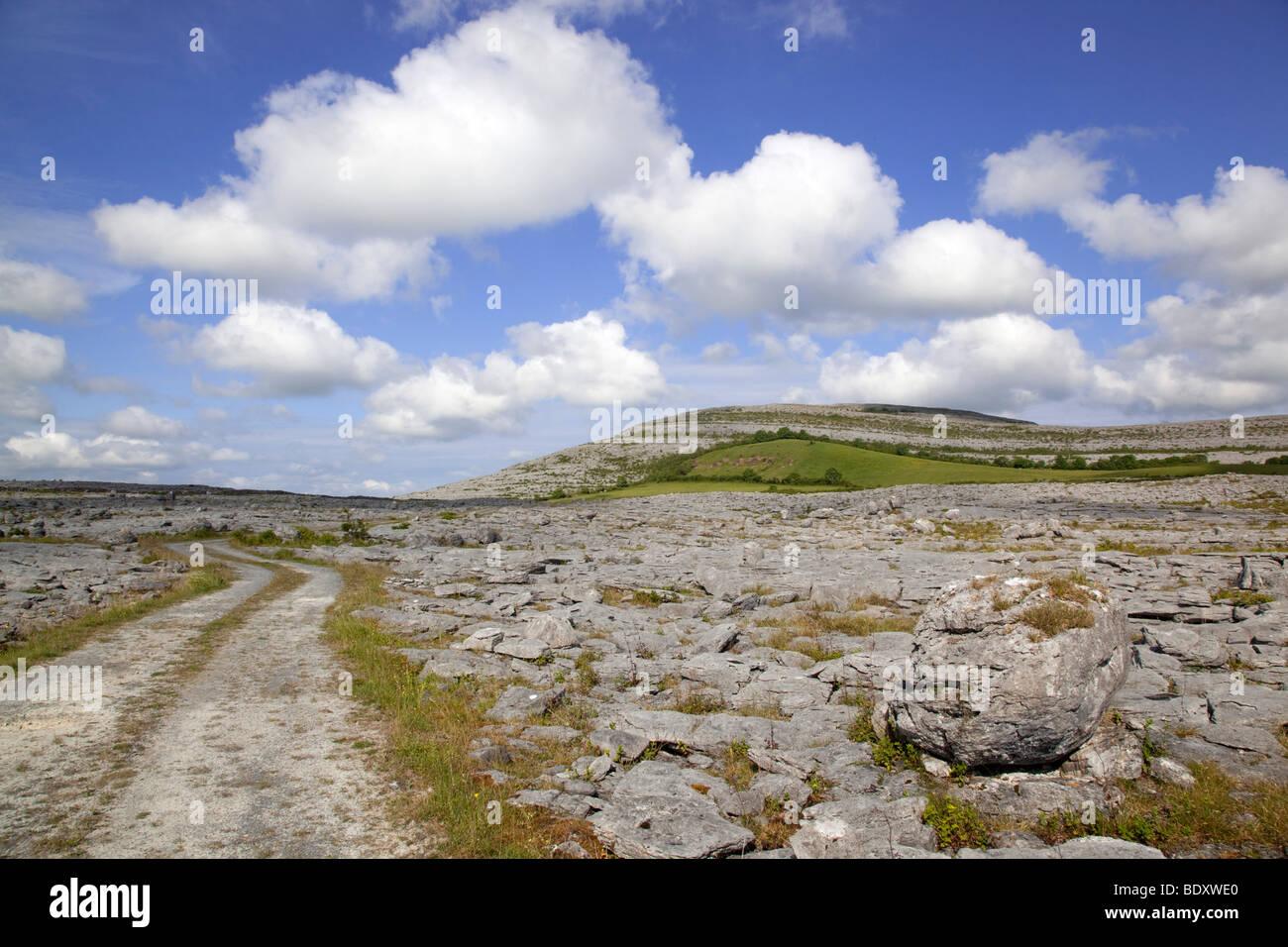 Mullagh plus; le comté de Clare, Irlande Photo Stock