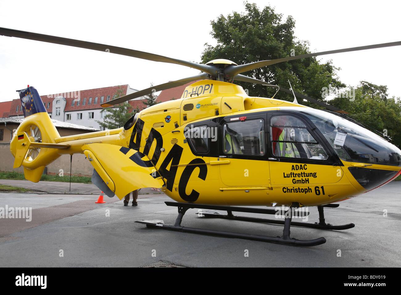 Hélicoptère de sauvetage de l'Association Automobile allemande ADAC Photo Stock