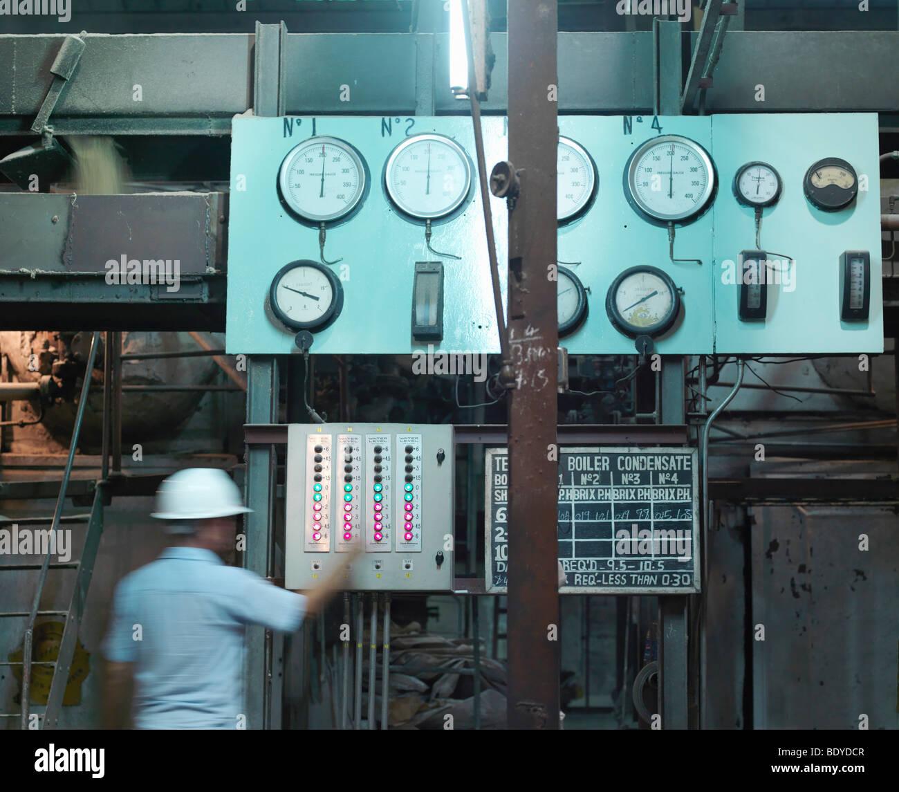 Superviseur de l'usine de canne à sucre Photo Stock