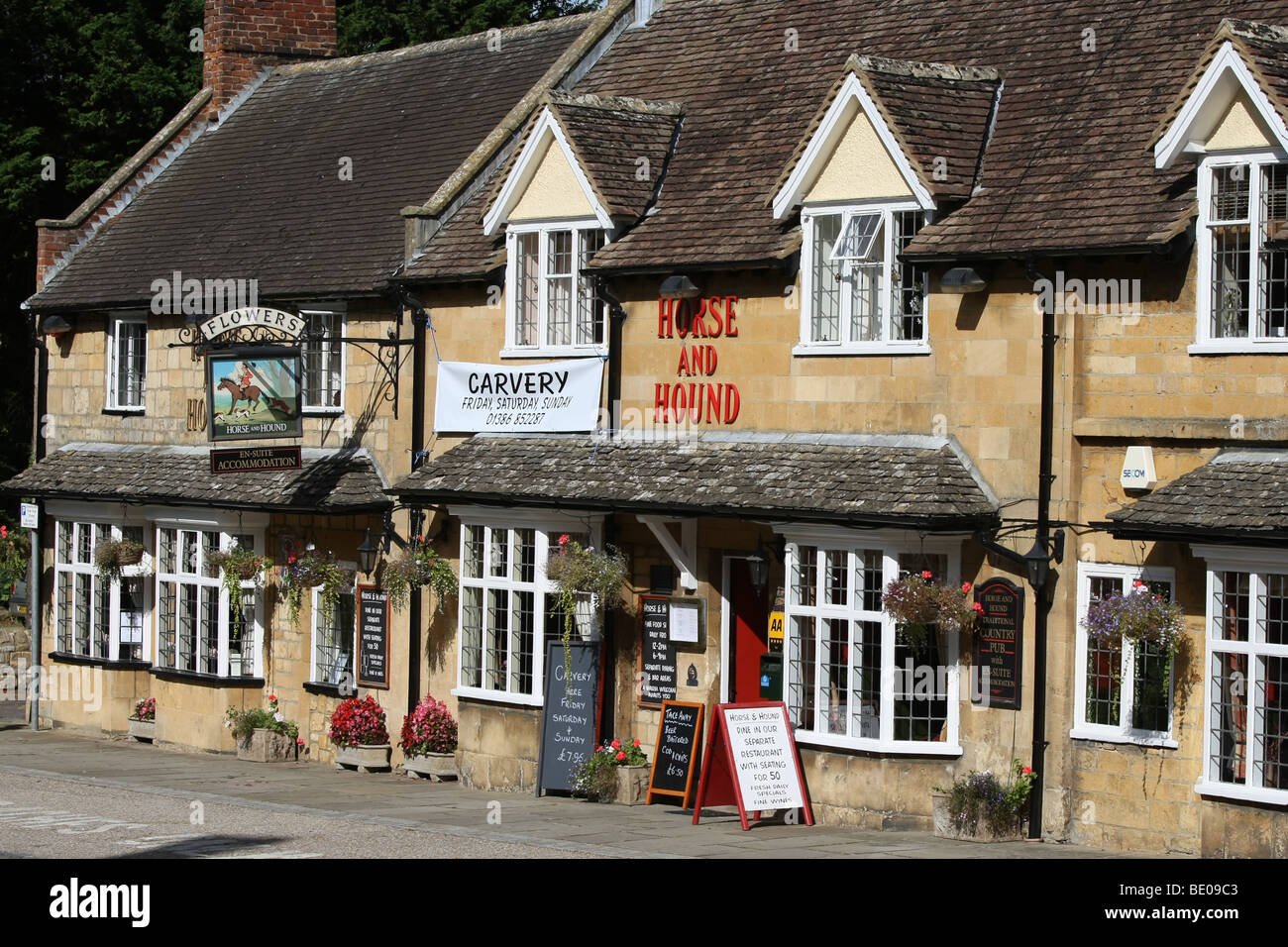 Horse and Hound public house, Angleterre Broadway Photo Stock