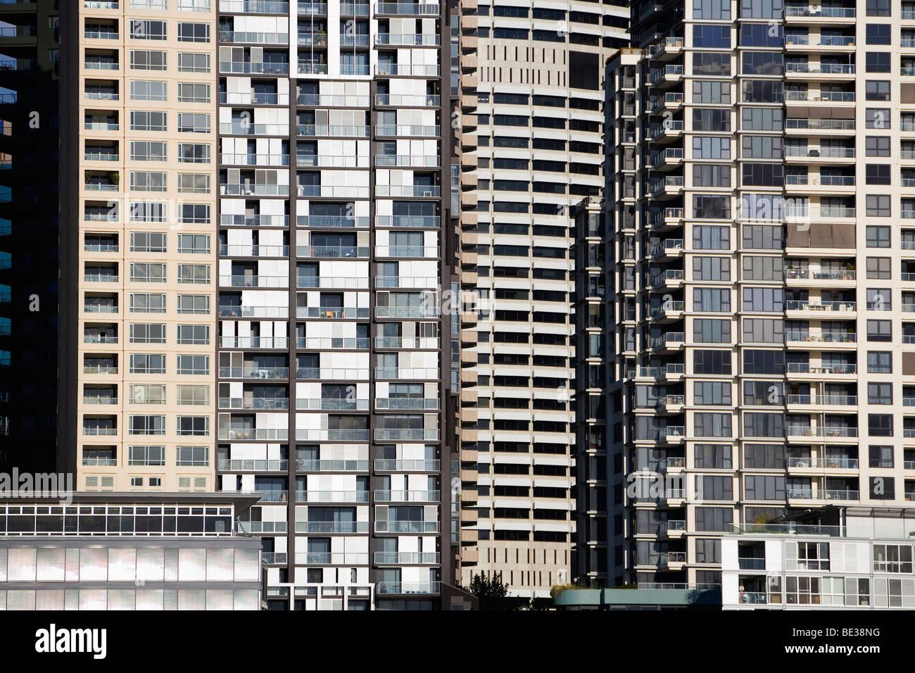 Les immeubles à appartements sur Darling Harbour, dans le centre de Sydney, New South Wales, Australia Photo Stock