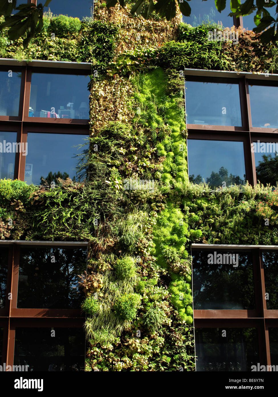 Musee Branly Photos & Musee Branly Images - Alamy