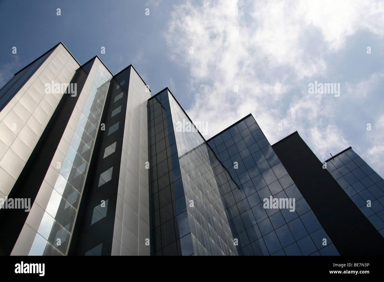 Une façade en verre moderne bureau dans le centre de Bangalore, en Inde. Photo Stock