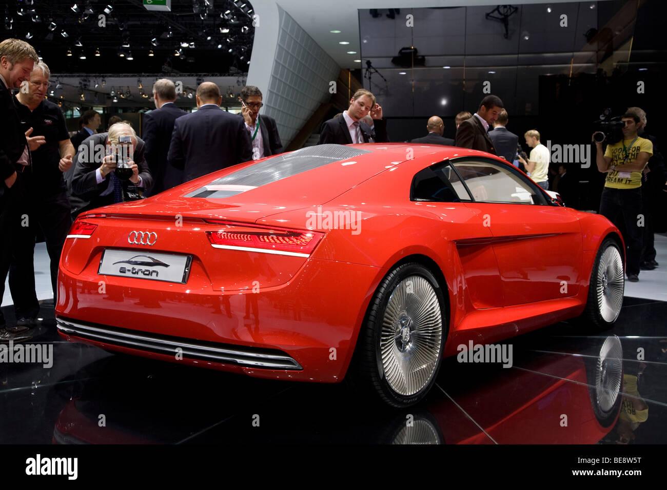 Audi R8 E-tron voiture électrique à un salon de l'automobile européenne Photo Stock