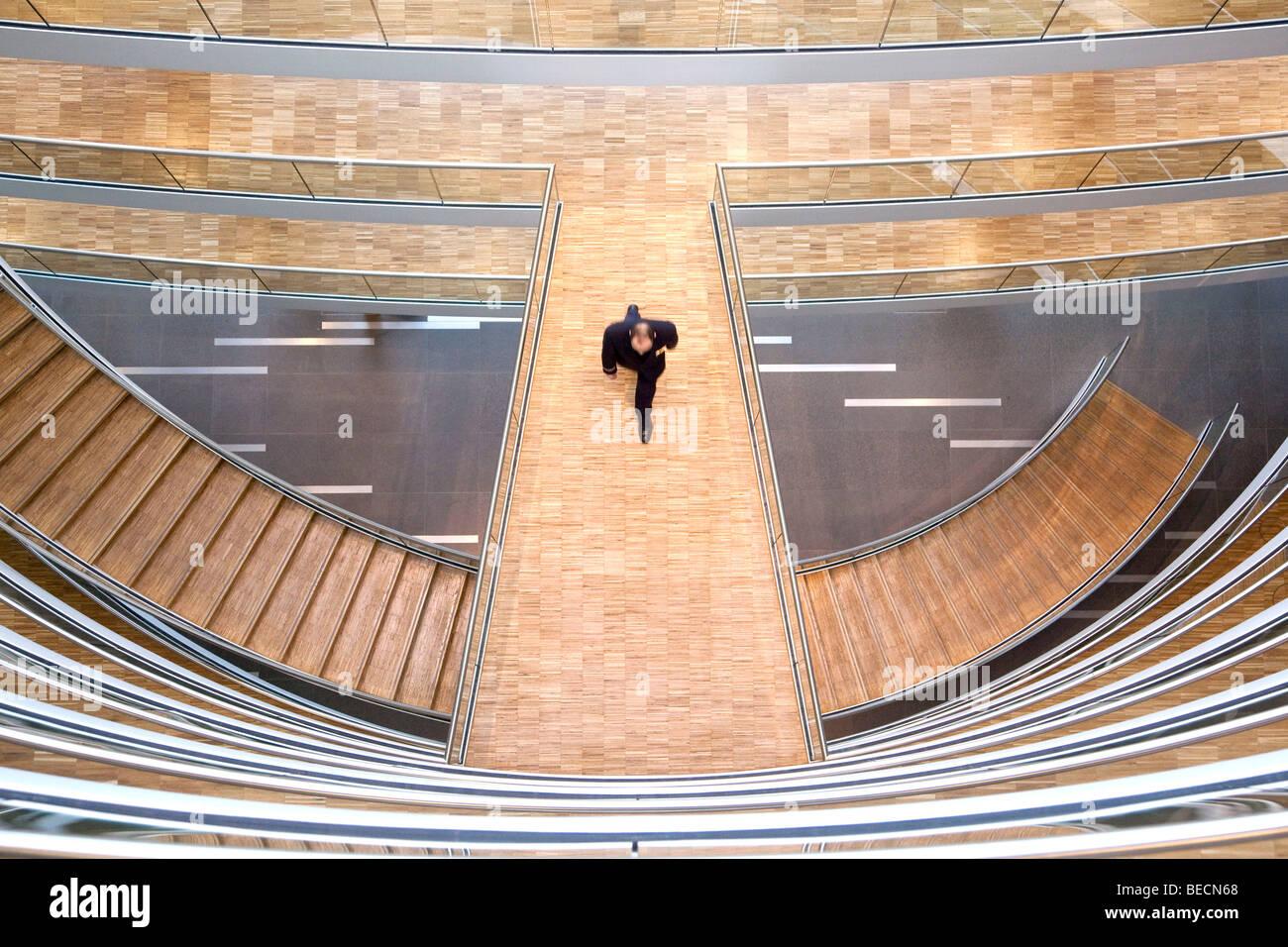 Escalier dans le centre de l'Aviation, Deutsche Lufthansa AG, Frankfurt am Main, Hesse, Germany, Europe Photo Stock
