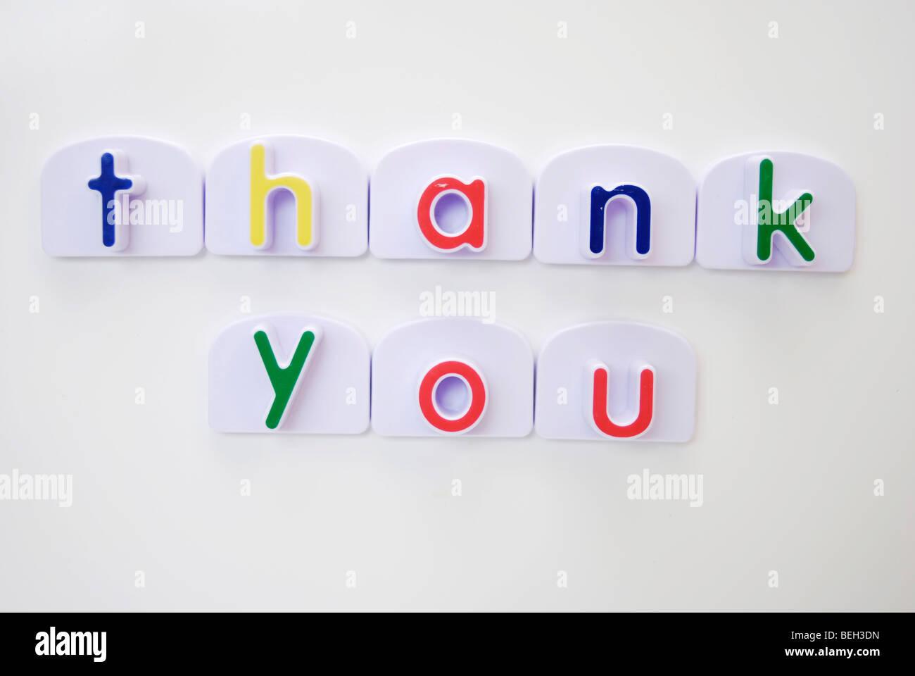 Message de remerciement avec aimant frigo lettres Photo Stock