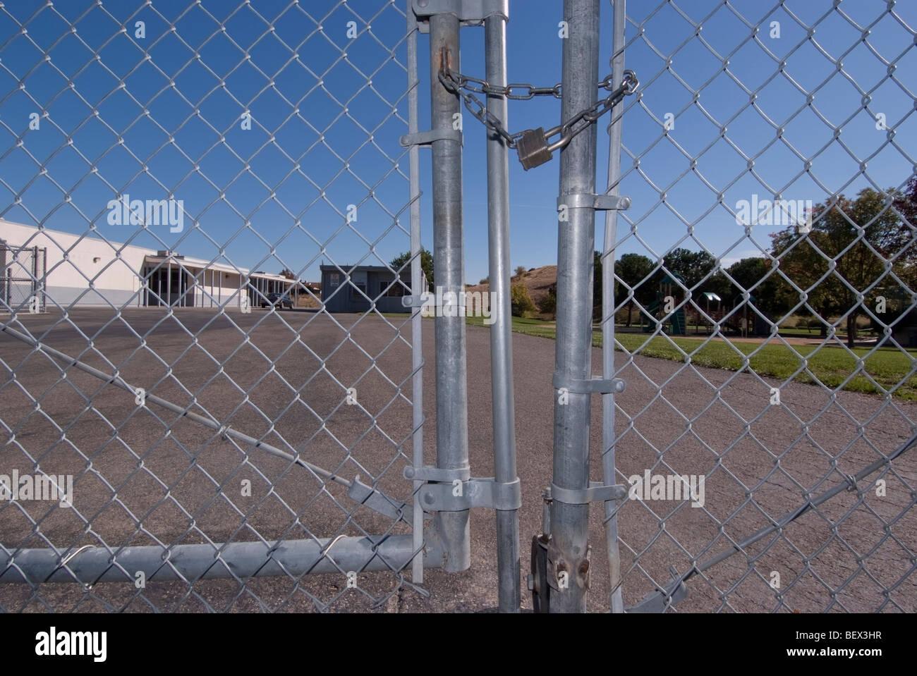 Browns Valley Elementary School fermé après un 6 ans, élève de 1ère classe est mort de Photo Stock
