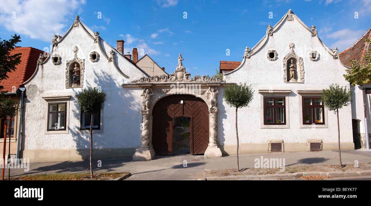 Les deux maures maison (K t m r h z). L'architecture baroque rustique - Sopron, Hongrie Photo Stock