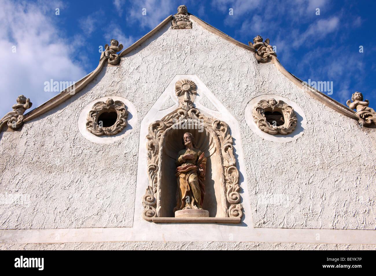 Les deux statues de Maures maison (K t m r h z). L'architecture baroque rustique - Sopron, Hongrie Photo Stock