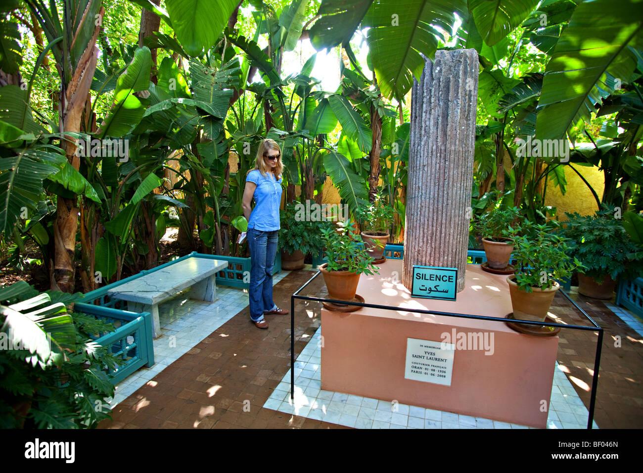 Memorial D Yves Saint Laurent Dans Le Jardin Majorelle Marrakech