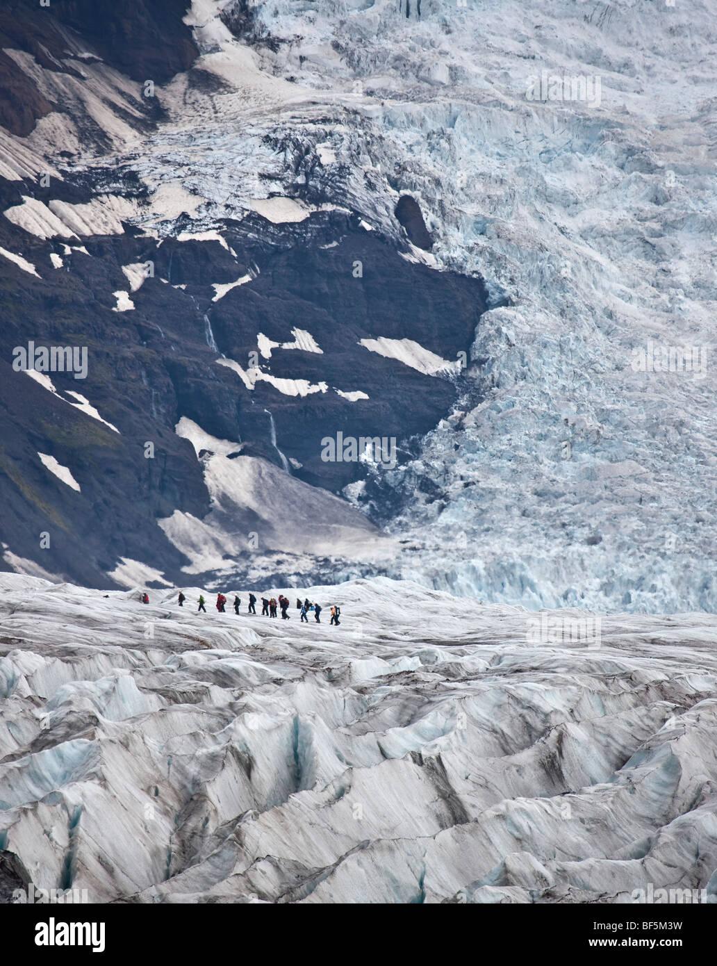 Randonnée sur glacier Svinafellsjokull, Islande Photo Stock