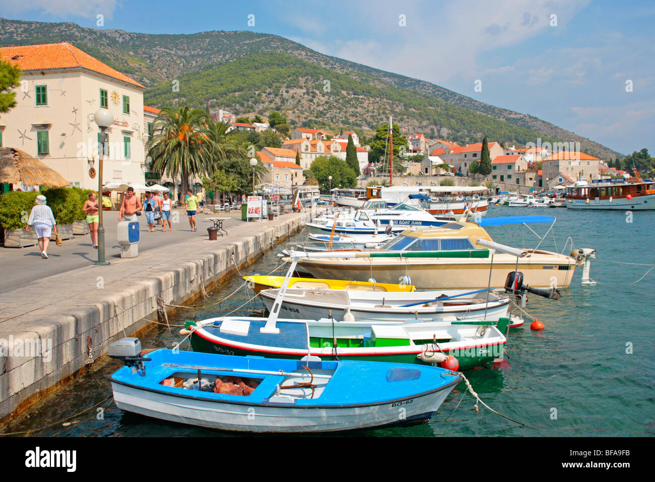 Port de Supetar, île de Brac, Croatie, Dalmatie Centrale Photo Stock