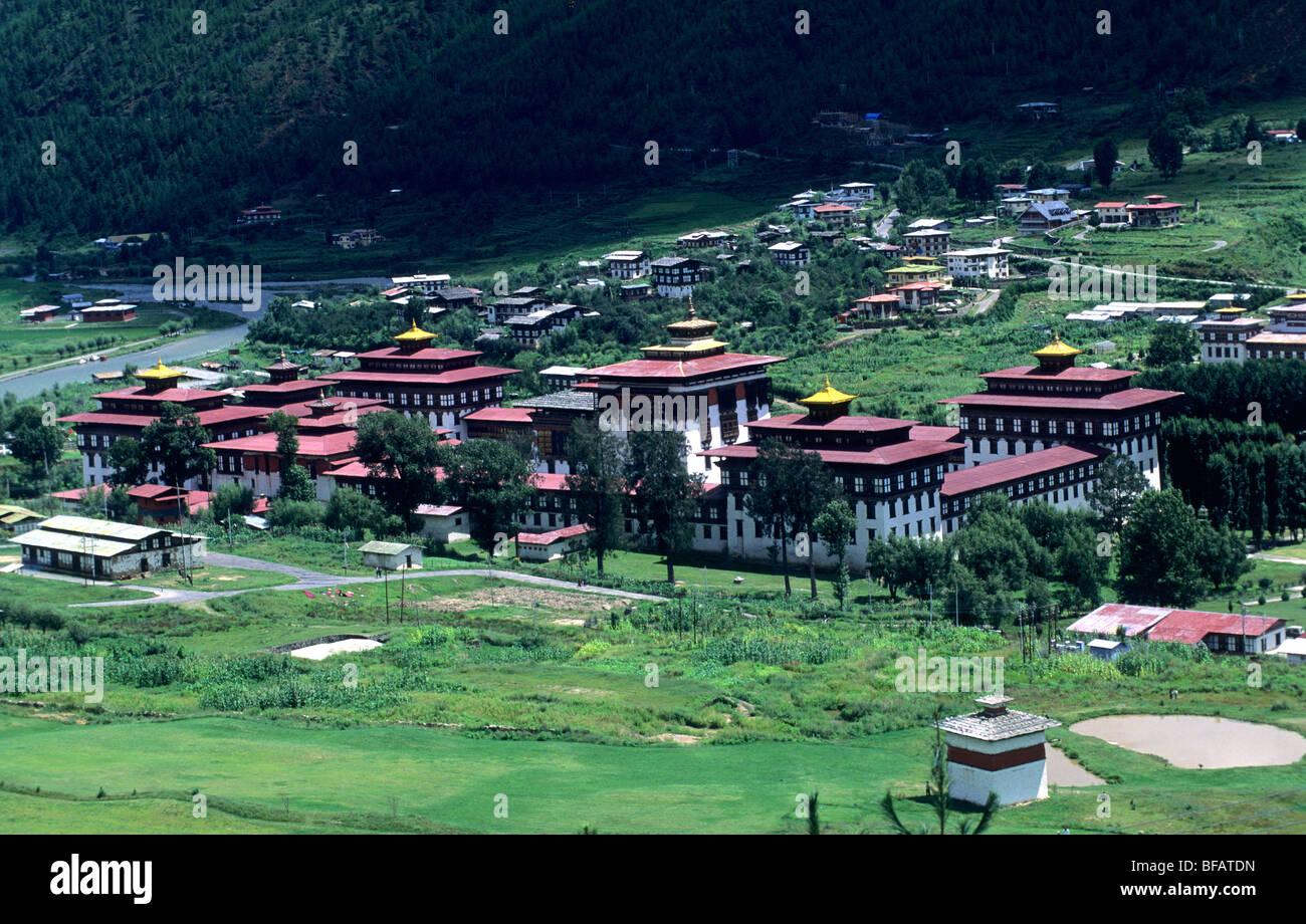 Tashichho Dzong village. La vallée de Thimphu. Bhoutan Photo Stock