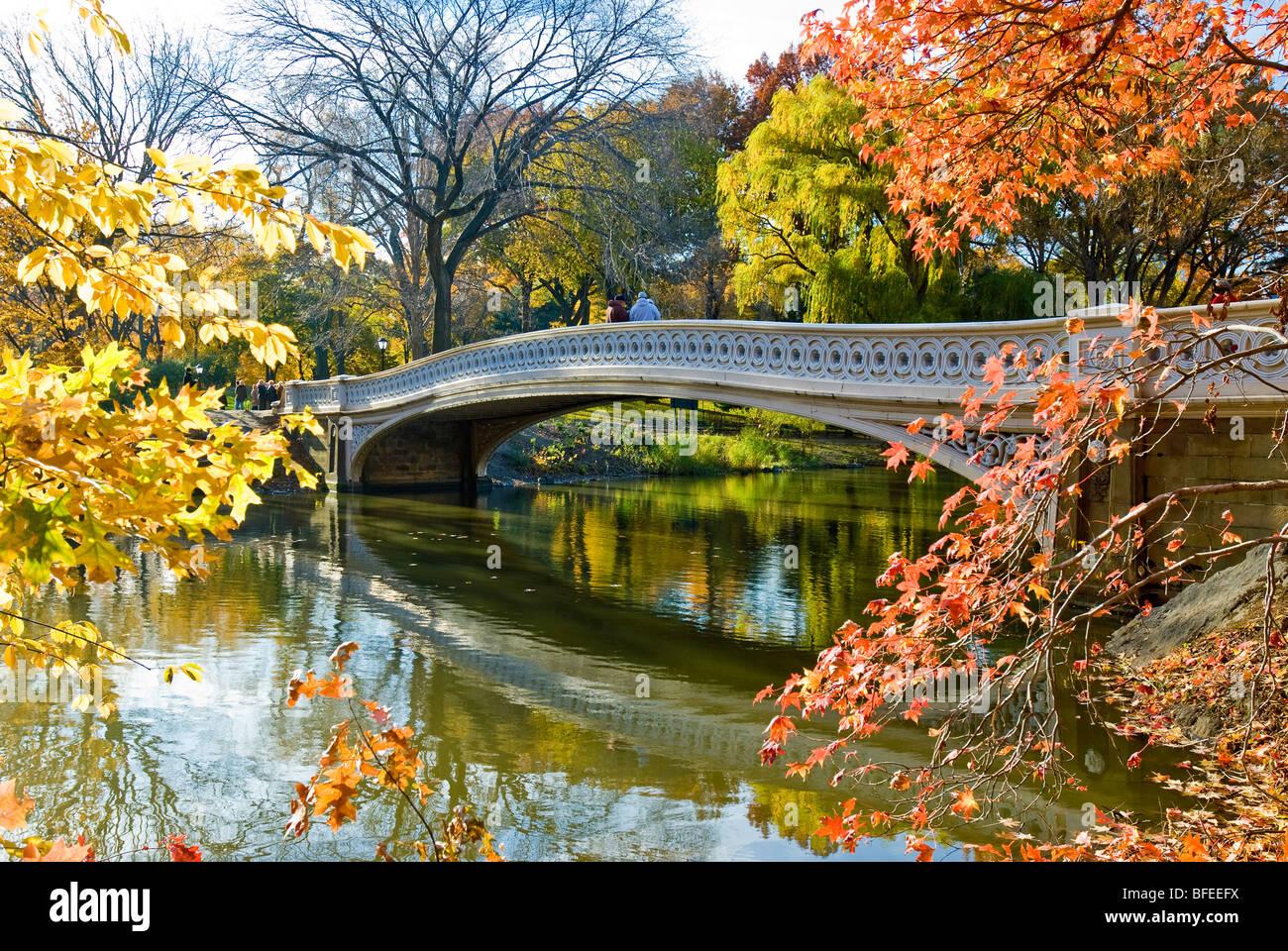 'Bow Bridge' à l'automne de Central Park, New York City. Photo Stock