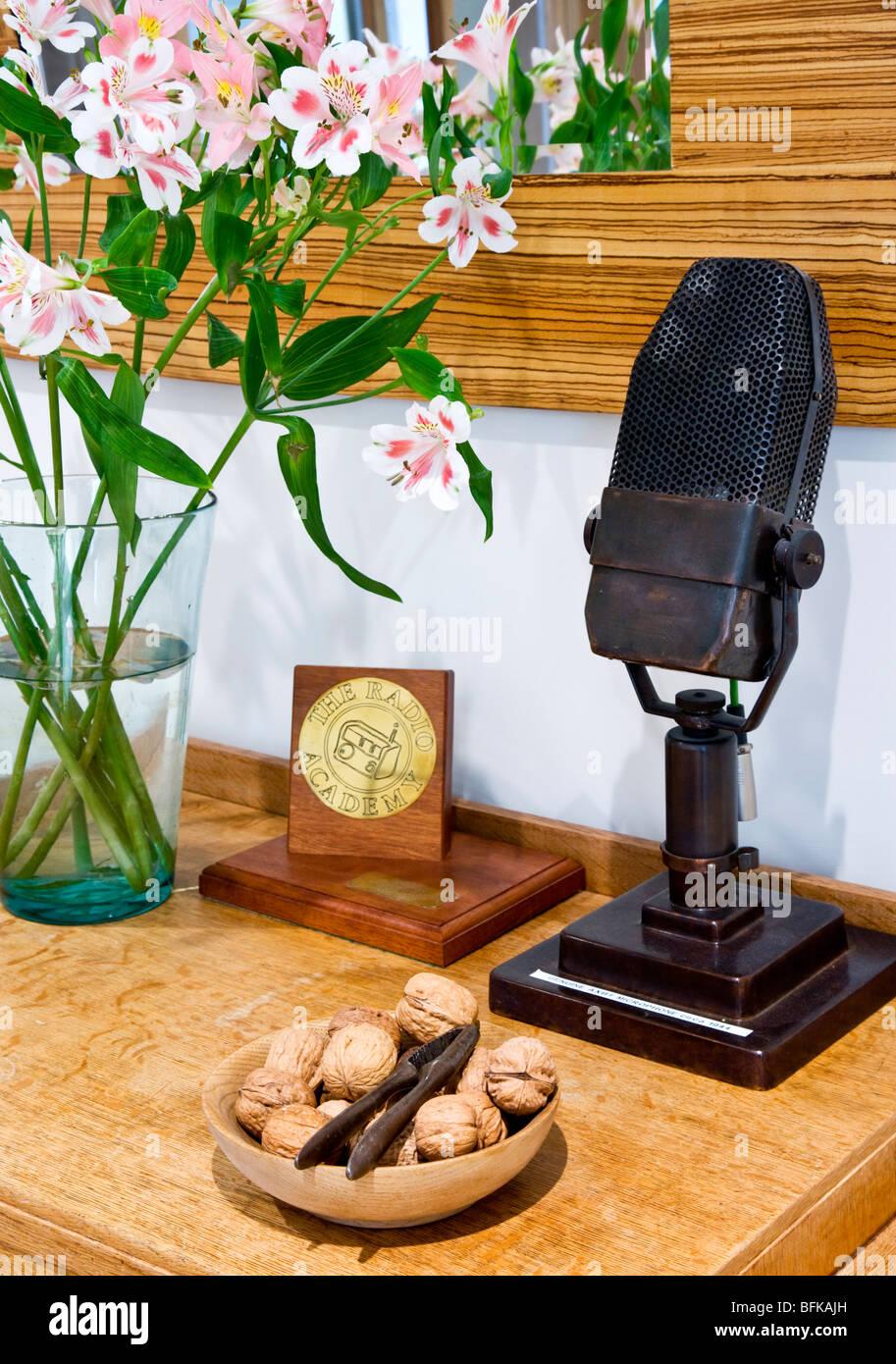 Circa 1944 microphone AXBT Radio et plaque Academy award Photo Stock