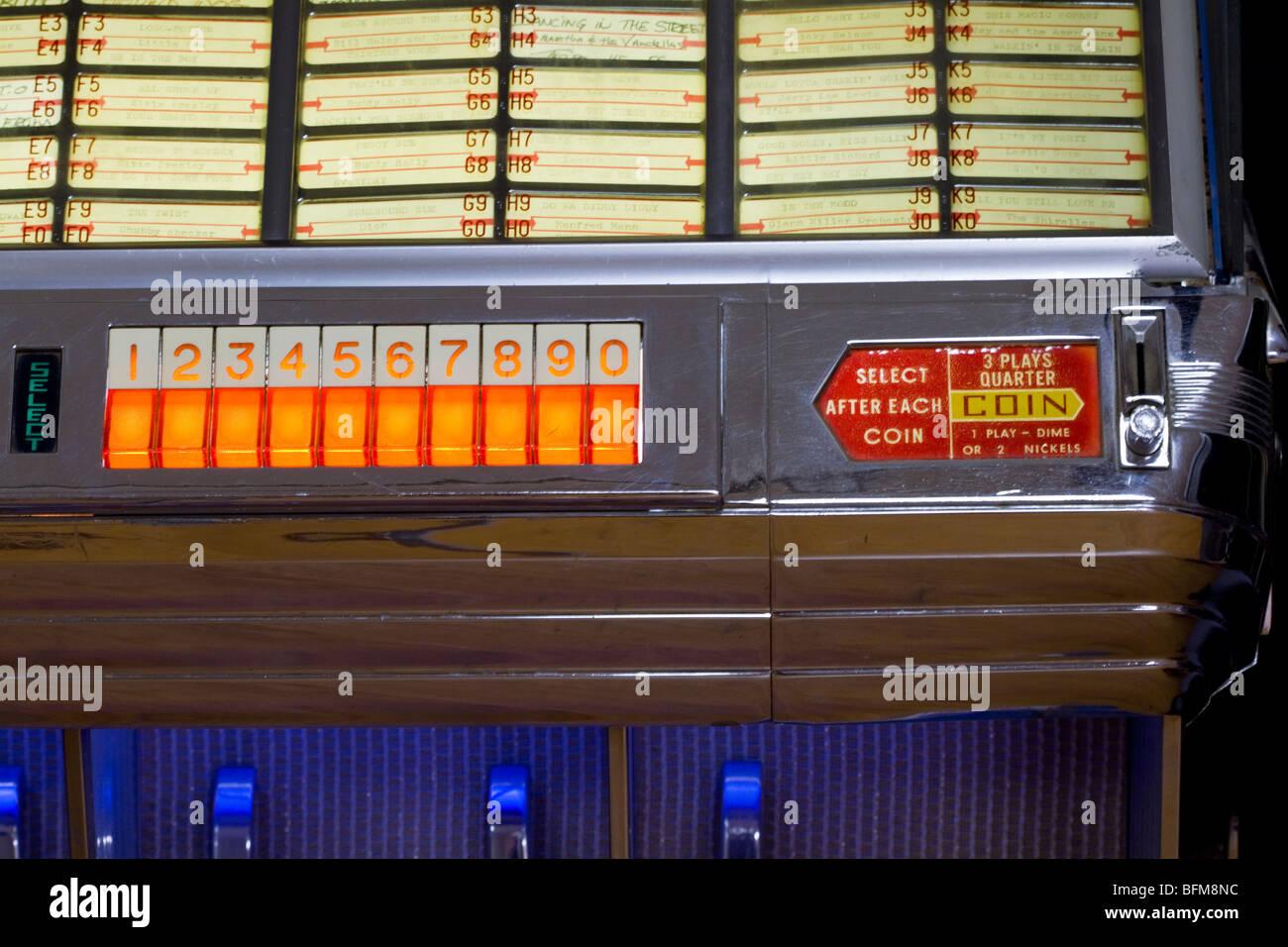 Meubles anciens, vintage des années 50 juke-box Seeburg music player Photo Stock