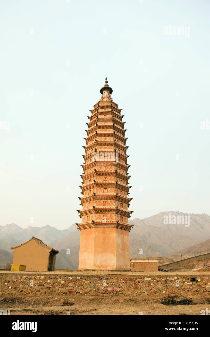 Chine, province de Ningxia, Baishikou près de Yinchuan, l'un des deux pagodes Banque D'Images