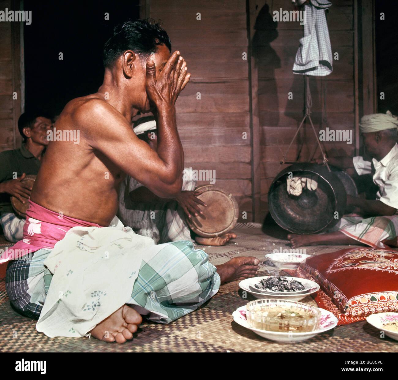 Praticien de médecine populaire, Bomoh, Malaisie, Asie du Sud, Asie Photo Stock