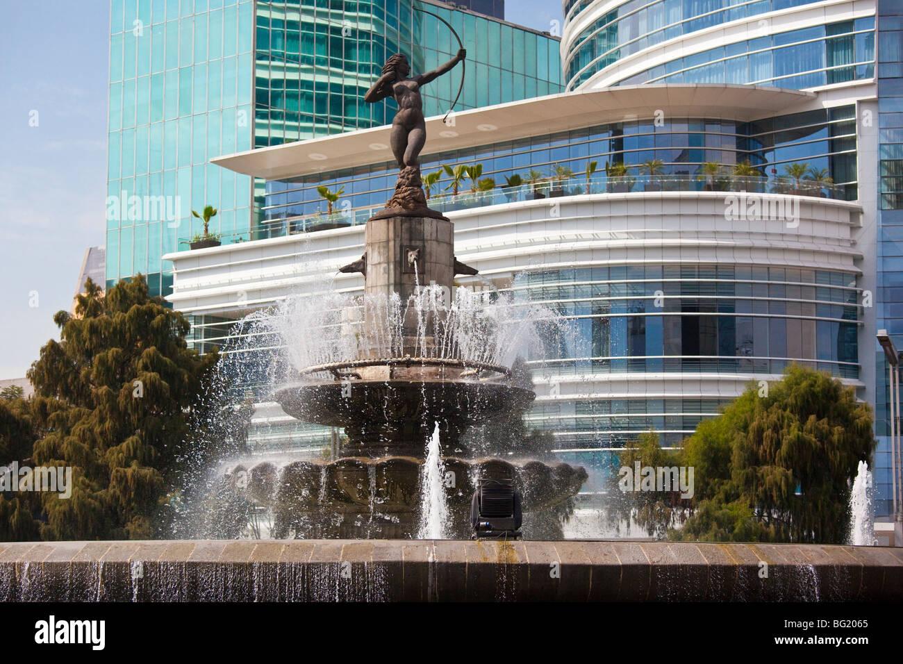Fontaine Diana rond-point sur le Paseo de la Reforma à Mexico City Photo Stock