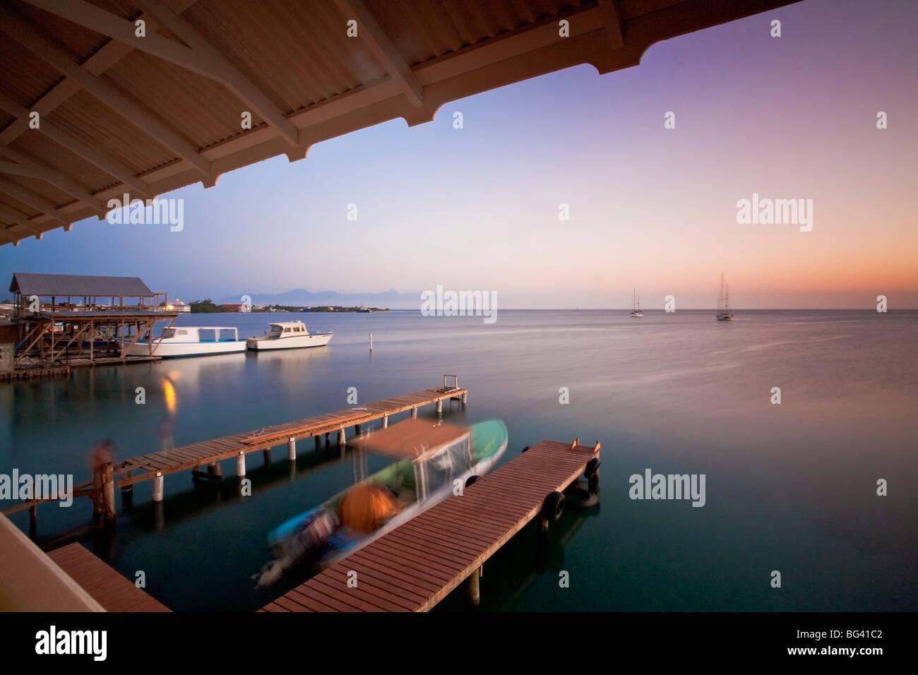 Le Honduras, Bay Islands, Utila, Cafe Mariposa, Jetty Photo Stock
