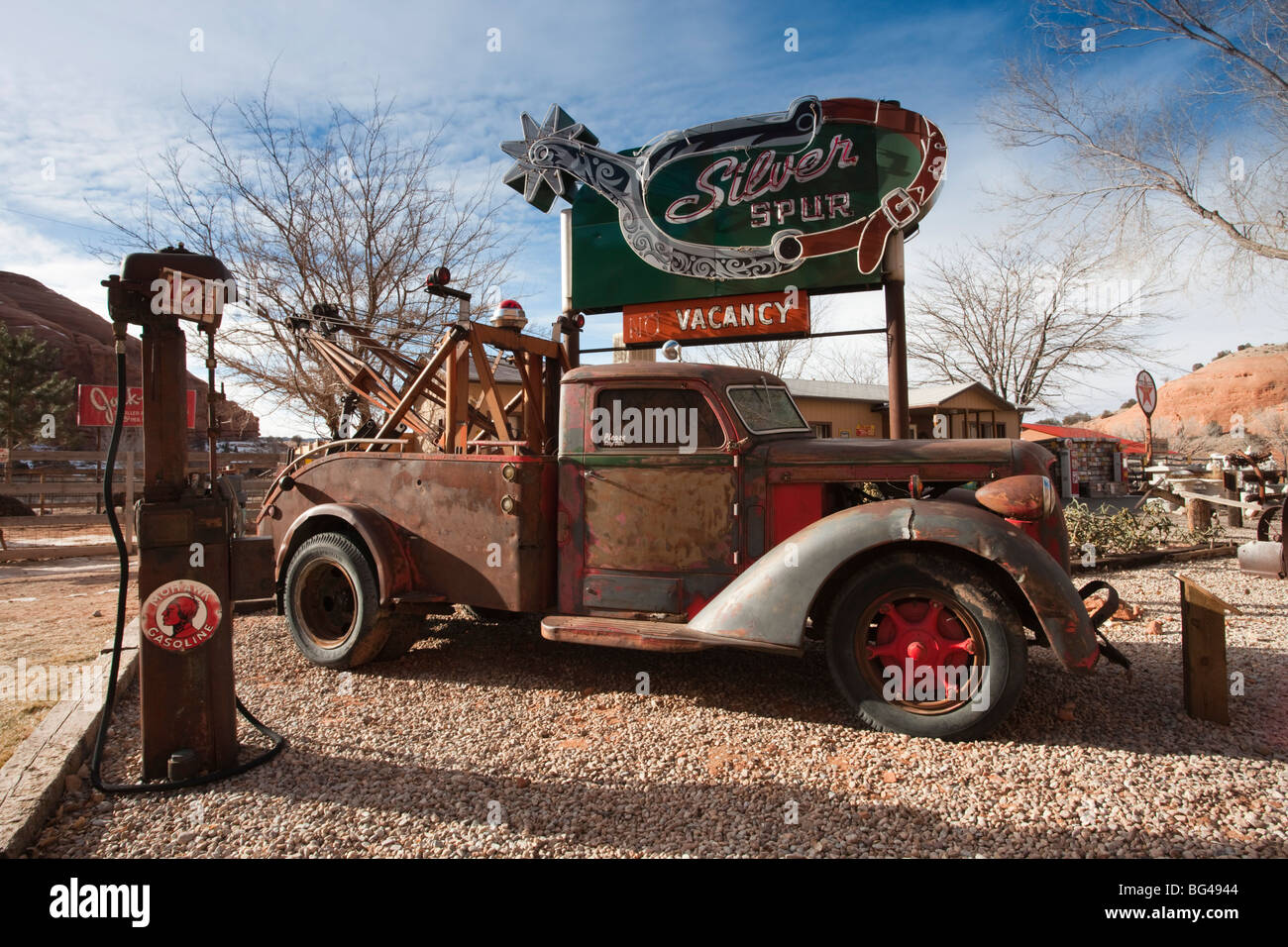 USA, Utah, Moab, trou dans la roche, boutique touristique détail de cour, l'hiver Photo Stock