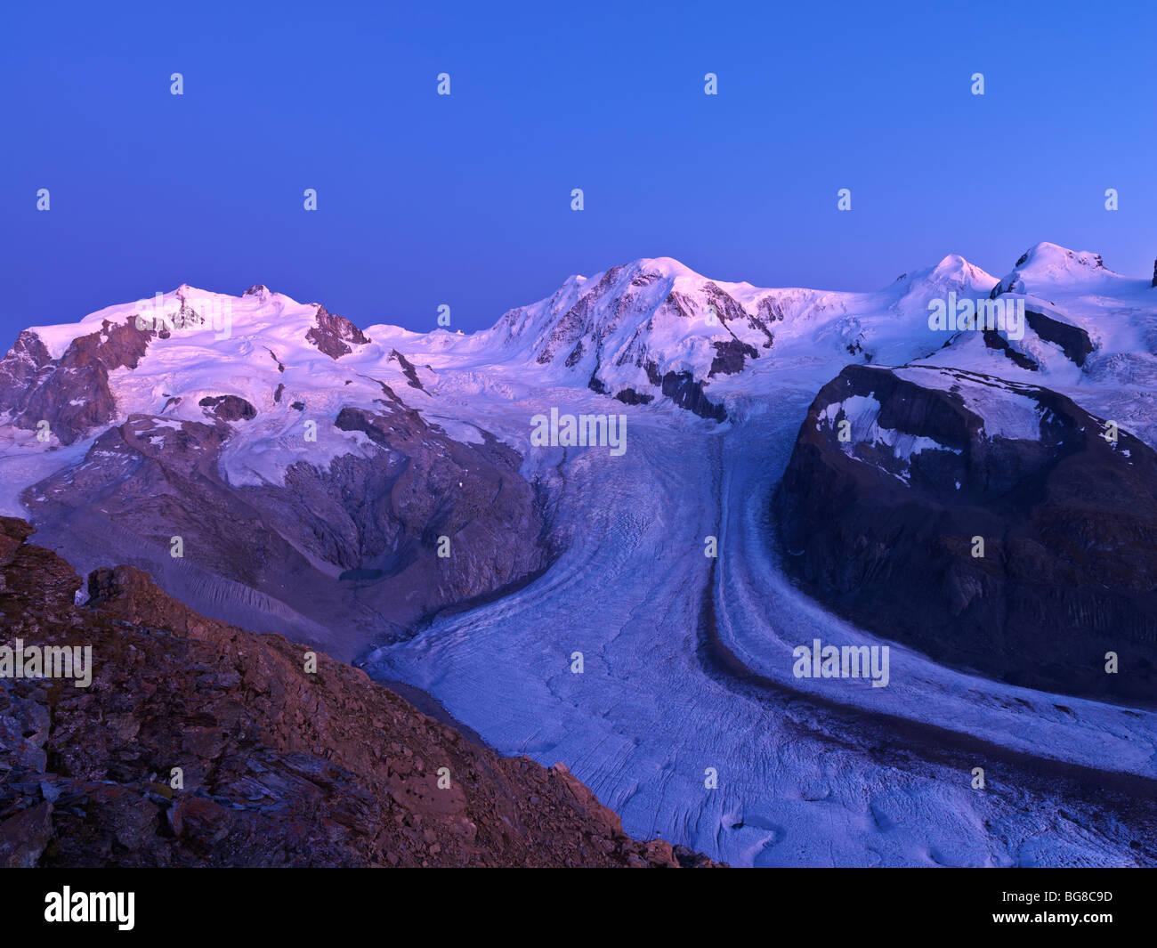 Suisse, Valais, Zermatt Gornergrat,,sommets du Mont Rosa, Liskamm, et le glacier du Gorner et Breithorn Photo Stock