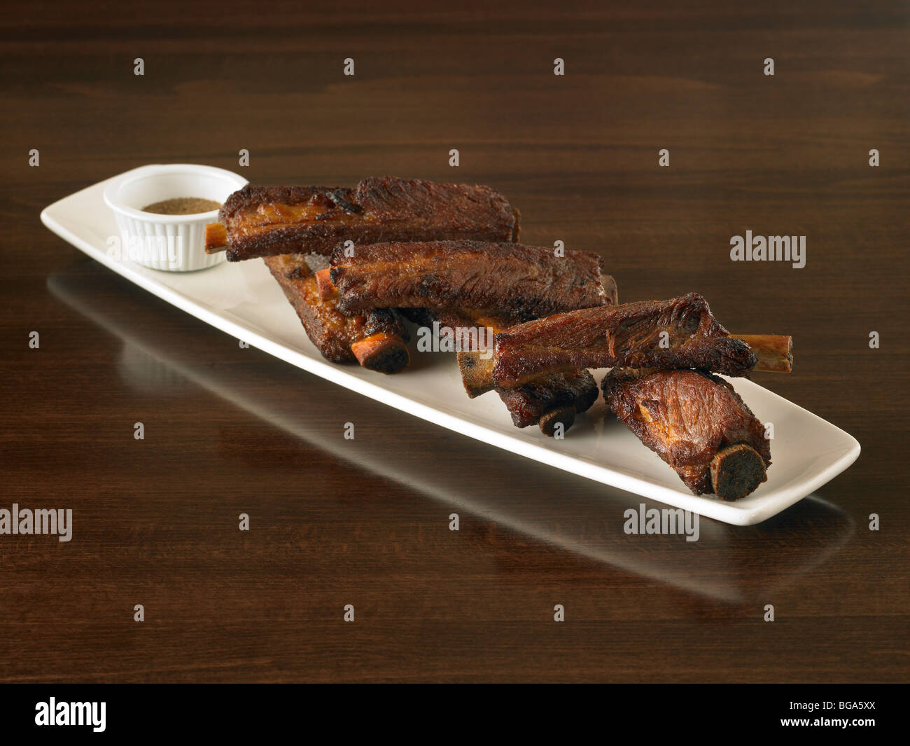 Côtes levées de porc chinois avec la sauce Banque D'Images