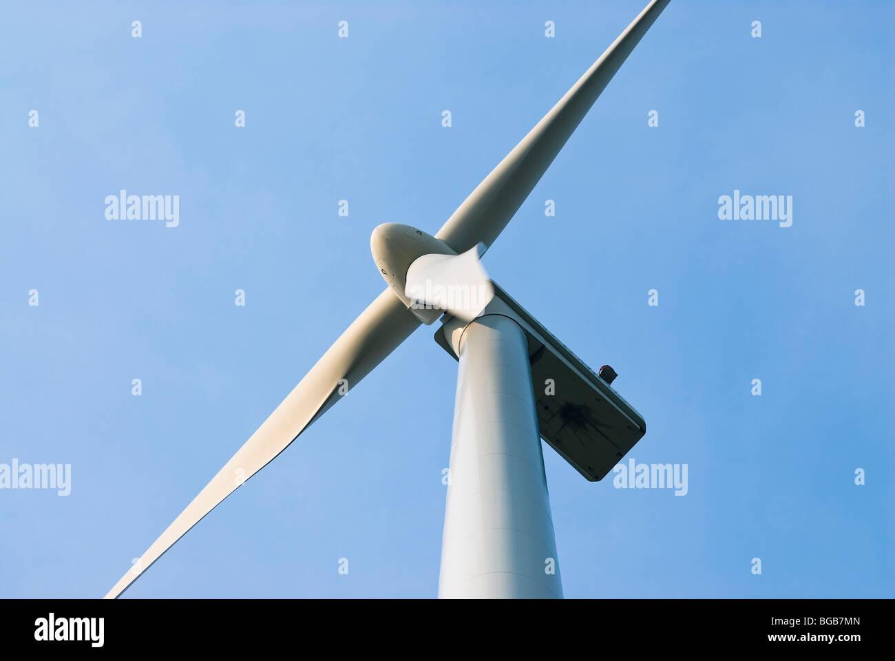 Close-up d'une éolienne sur une ferme éolienne, Alberta, Canada Photo Stock