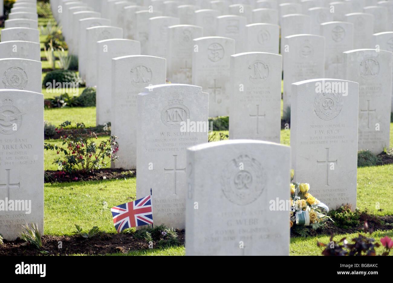 Photographie des tombes de guerre des pierres du souvenir de la première guerre mondiale morts Banque D'Images