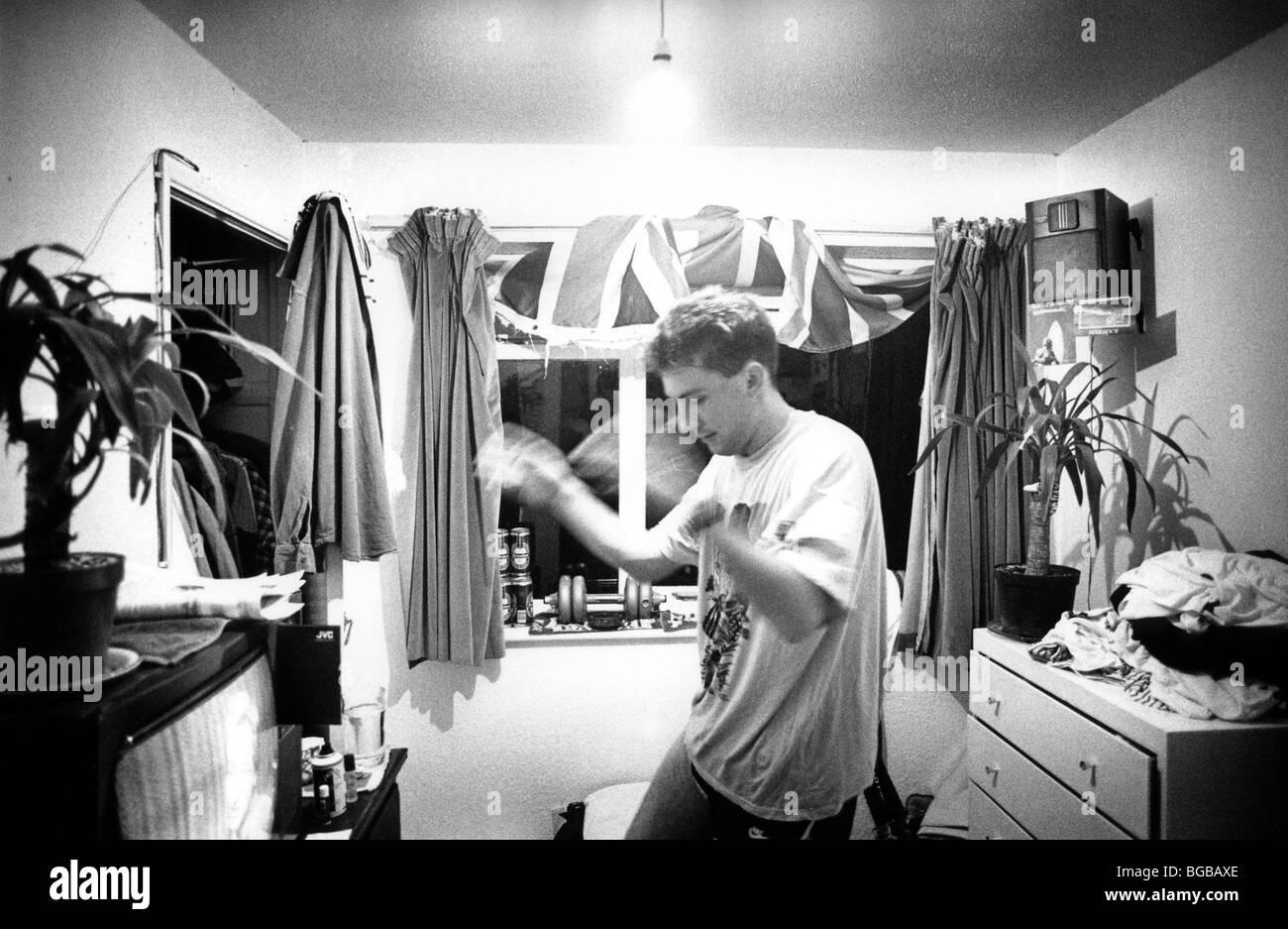 Photographie d'élèves la musique forte le comportement anti social prix UK Banque D'Images