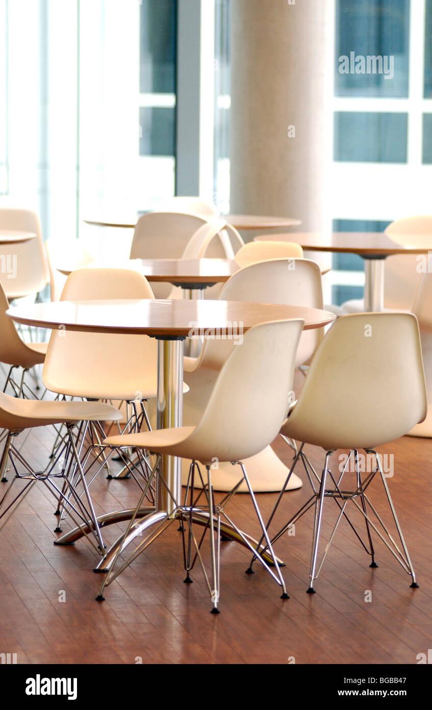 Photographie de l'office de cafétéria les nettoyeurs de meubles d'intérieur propre Banque D'Images