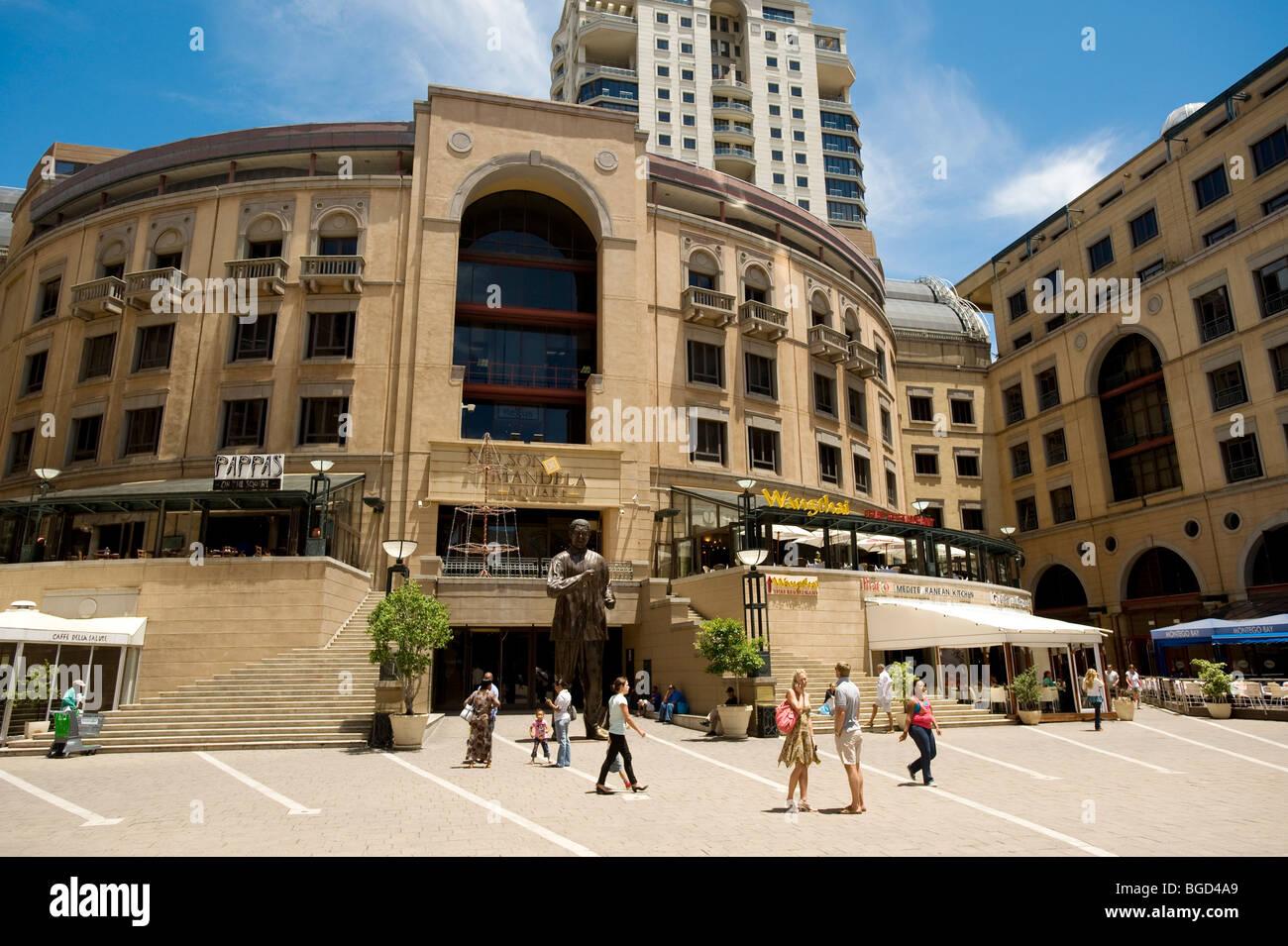 La place Nelson Mandela. Sandton, Johannesburg, Afrique du Sud Photo Stock