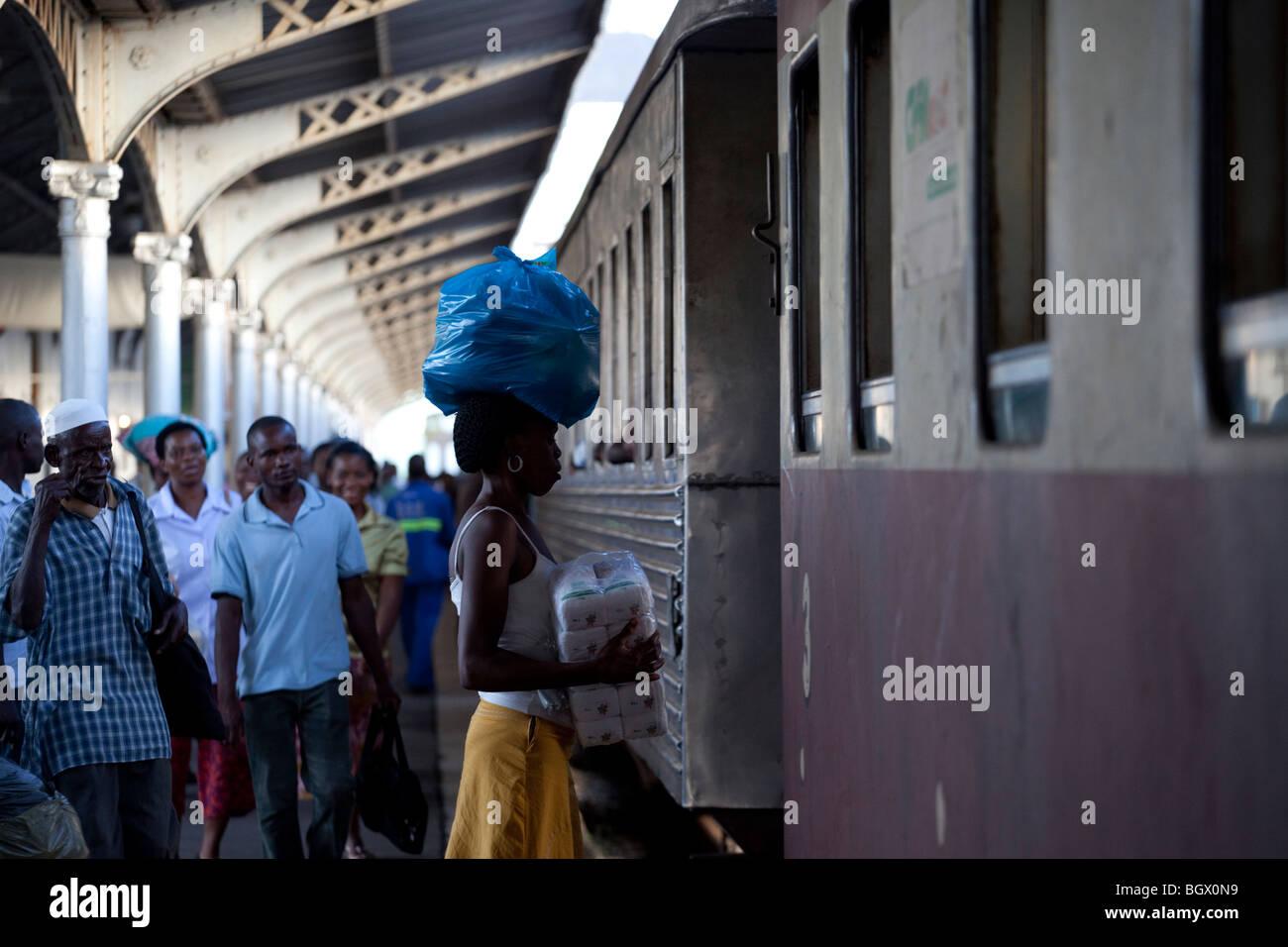 L'intérieur de la gare de Maputo, Mozambique Photo Stock