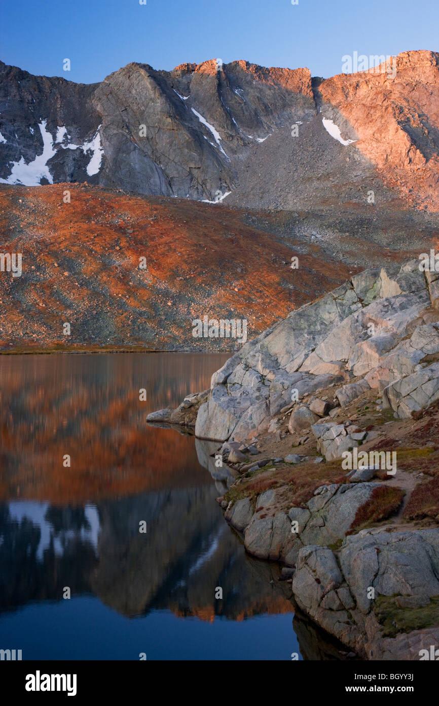 Le lac Summit Mount Evans, zone de loisirs, les Arapaho National Forest, Colorado. Photo Stock