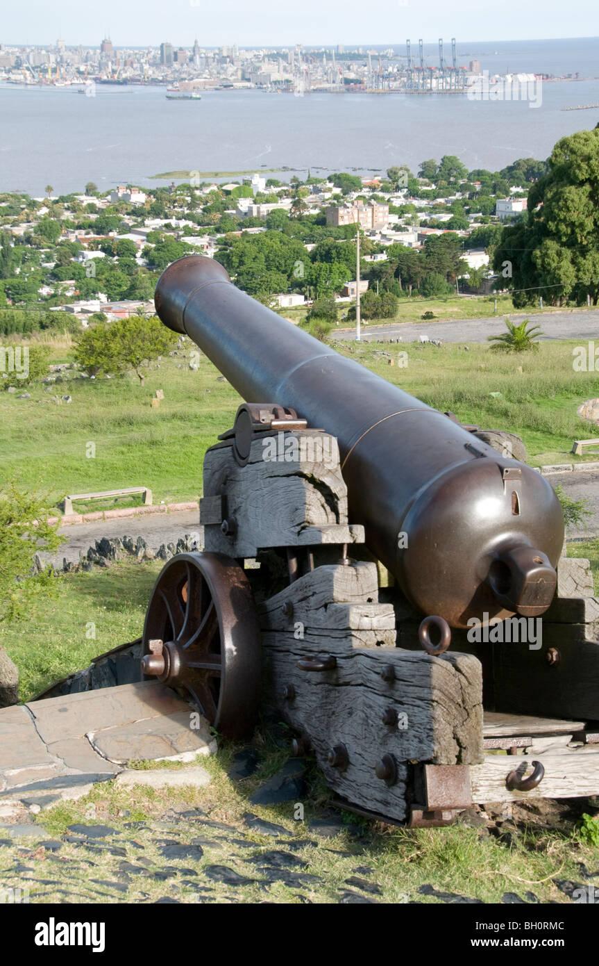 L'Uruguay. La forteresse de Cerro de Montevideo, avec Cannon et offrent une vue sur le port Photo Stock
