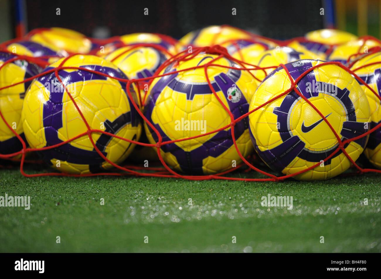 Championnats italiens ballons Nike dans un filet sur le sol Roma 13/1/2010 Foto Andrea Staccioli Insidefoto Banque D'Images