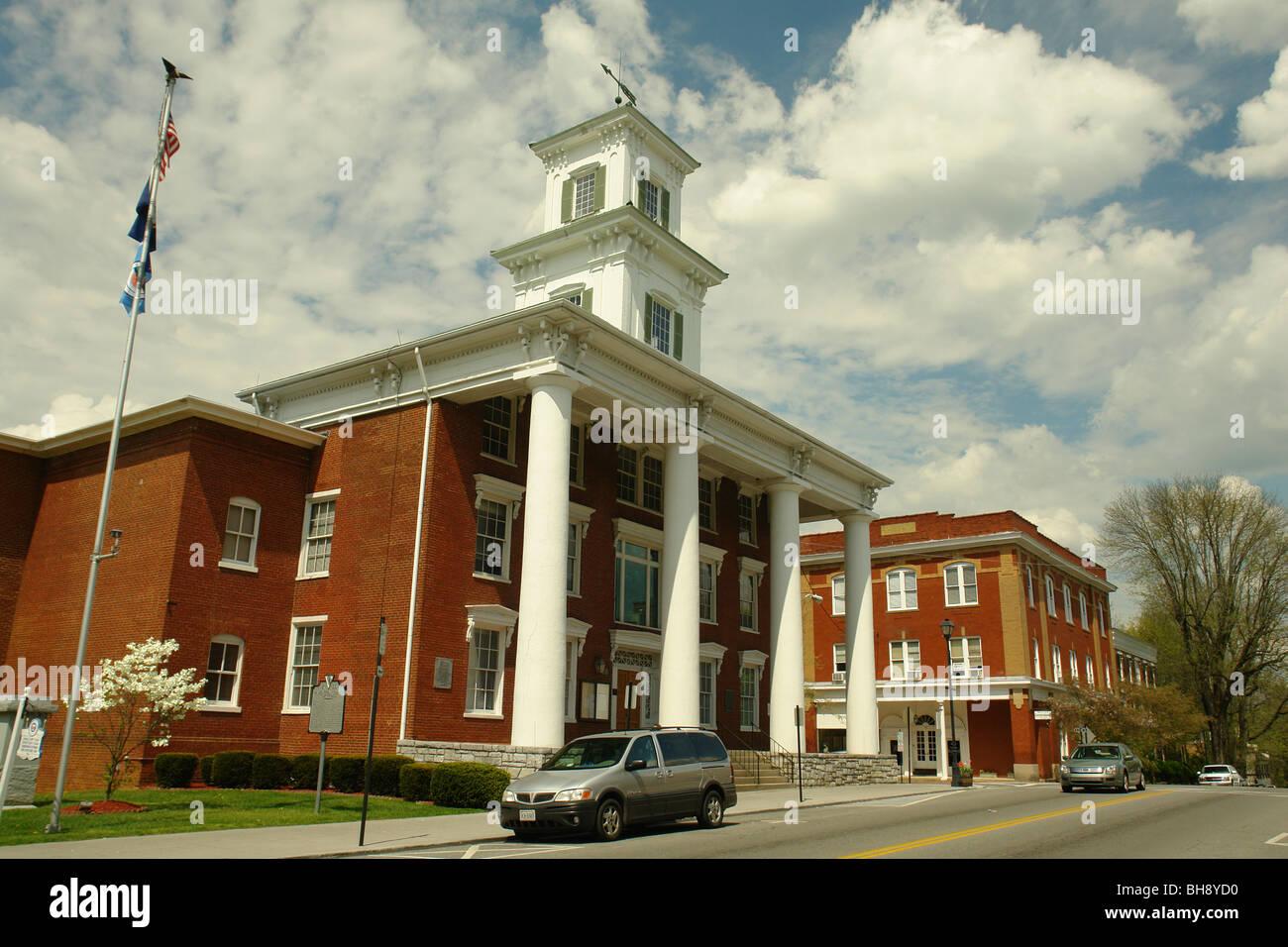 AJD64382, Abingdon, Virginie, Virginie, du centre-ville, le palais de justice du comté de Washington Banque D'Images