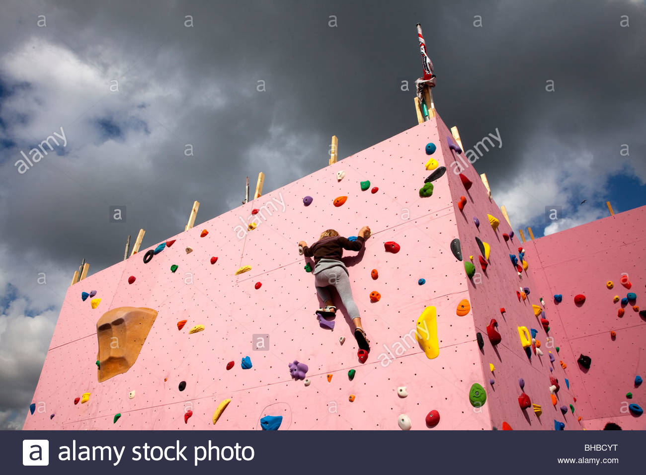 Plage artificielle athletic rock climbing bouldering Benelux Dutch courage l'Europe d'endurance musculaire Photo Stock