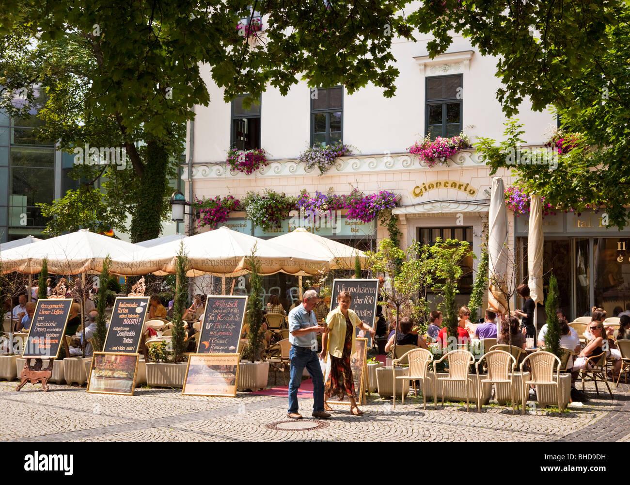 Restaurant bar café de la chaussée à Weimar, Allemagne, Europe Photo Stock
