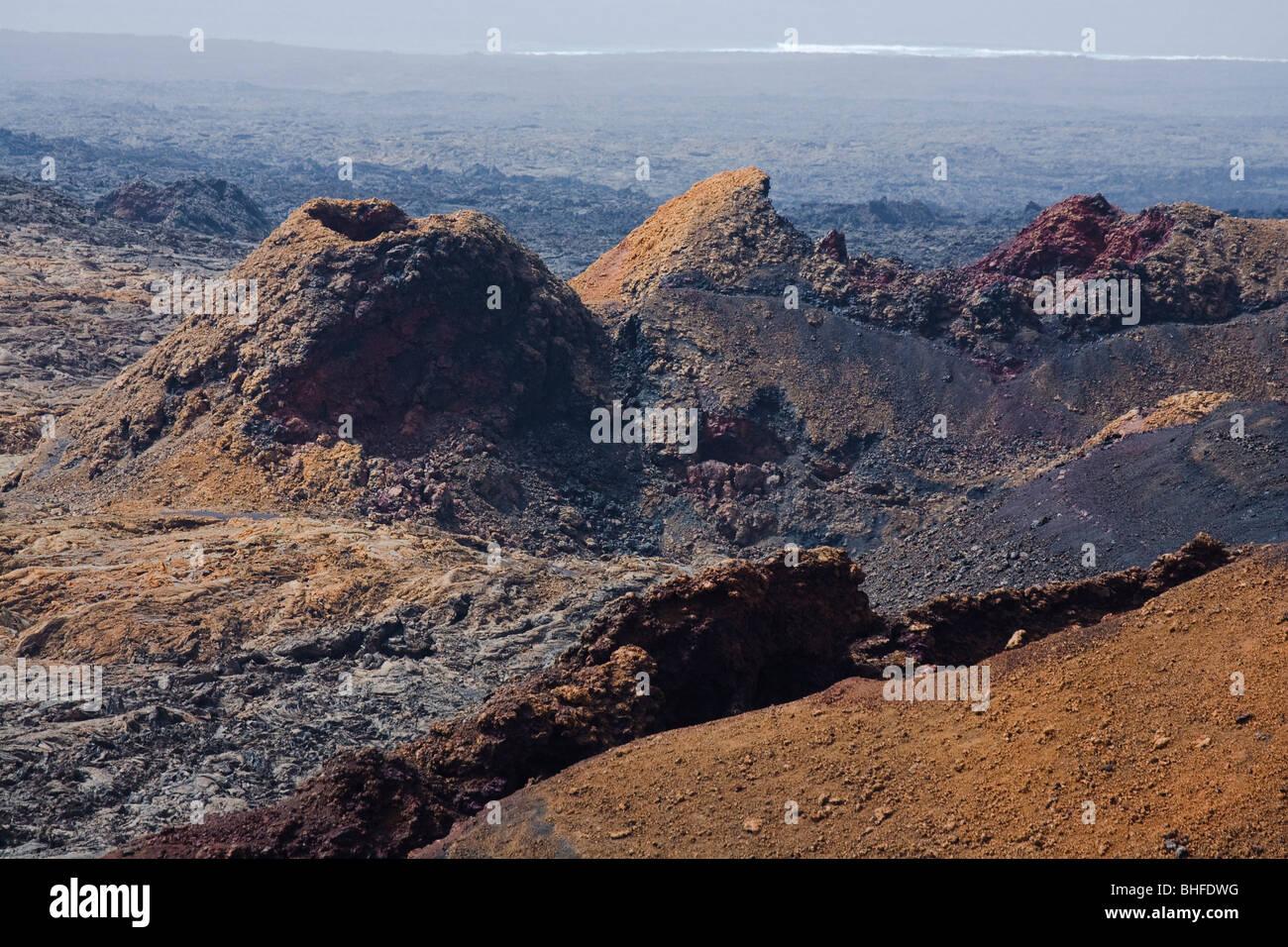 Les paysages volcaniques, cratères éteints, Parque Nacional de Tiimanfaya, Montanas del Fuego, Réserve de biosphère de l'UNESCO, Lanzarote, Lan Banque D'Images